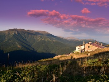 Eho chalet on the main ridge - photo: Central Balkan National Park