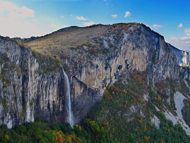 Skaklija Waterfall - Panorama view of Vrachanski Balkan Nature Park- photo: Vrachanski Balkan Nature Park/Krasimir Lakovski