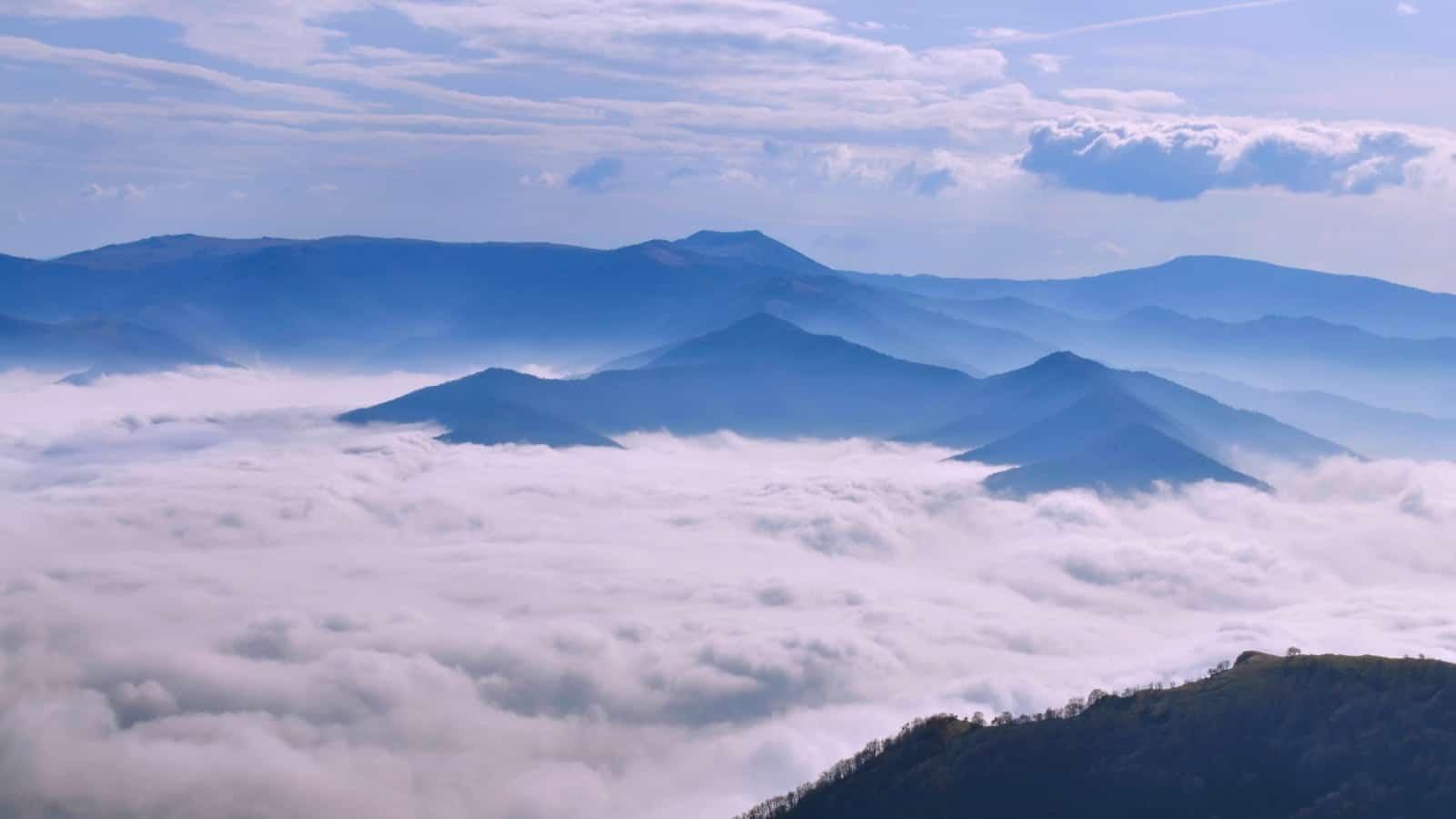 Sea of clouds over Iskar river gorge- photo: Vrachanski Balkan Nature Park