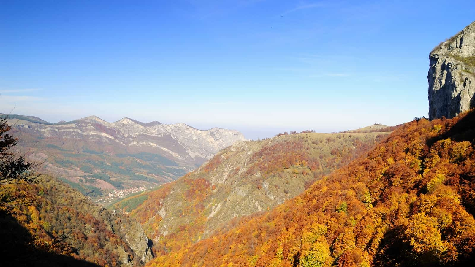 View toward Zgorigrad village - photo: Vrachanski Balkan Nature Park