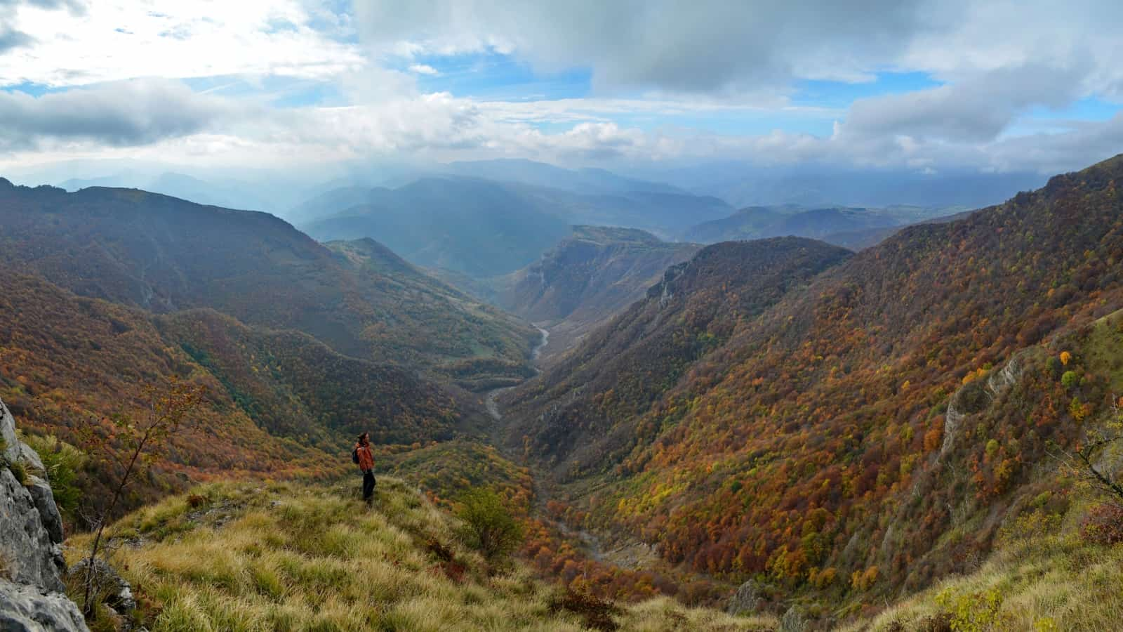 The valley above Opletnja village - Panorama view of Vrachanski Balkan Nature Park- photo: Vrachanski Balkan Nature Park/Krasimir Lakovski