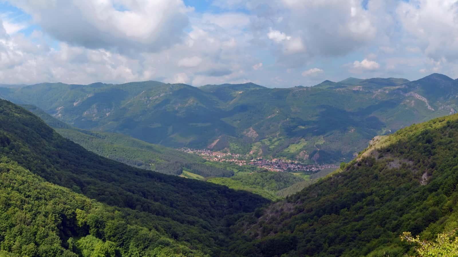 The village of Zgorigrad - Panorama view of Vrachanski Balkan Nature Park - photo: Vrachanski Balkan Nature Park/Krasimir Lakovski